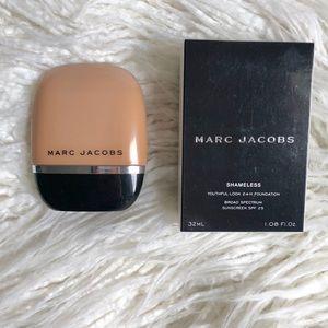 Marc Jacobs Shameless Foundation - Y420